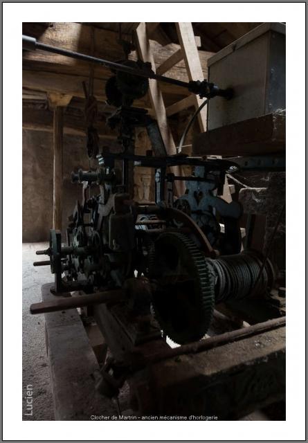 Clocher de Martrin - ancien mécanisme d'horlogerie