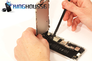 Remplacement bouton Home iPhone 5 étape 8.