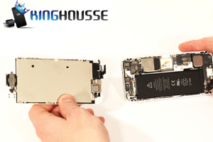 Remplacement Bouton Home iPhone 5 étape 9.