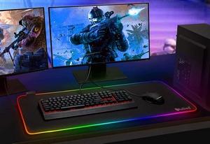 Tapis souris de Gaming RGB XXL avec des dimensions de 80 x 30 cm